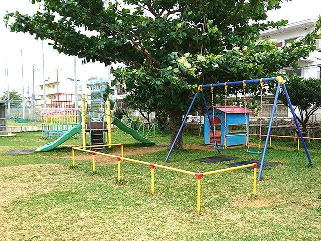園庭の遊具(1)