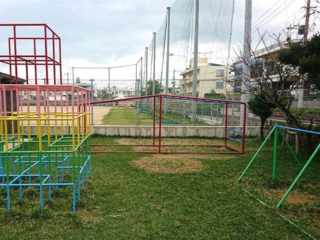 園庭の遊具(2)